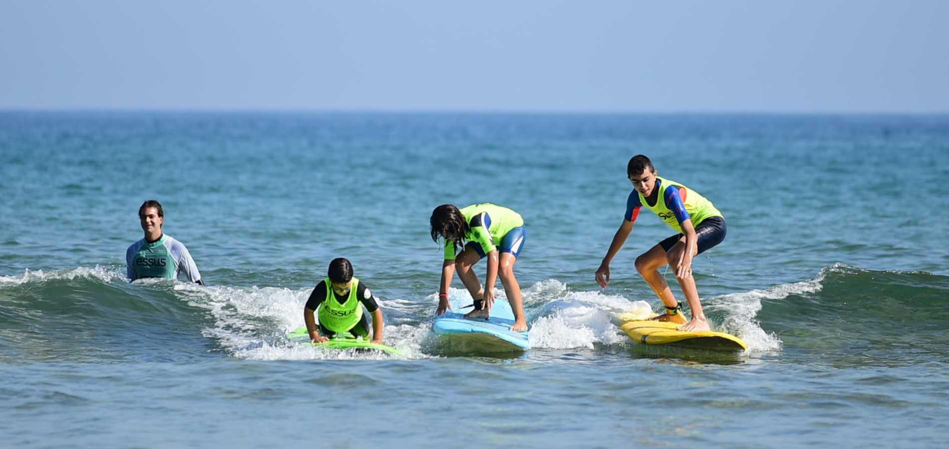 Surf eskola Zarautz, Essus Surf Eskola