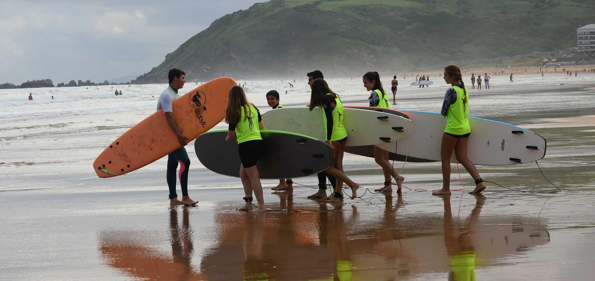 Escuela de surf en Zarautz, Escuela de surf Essus