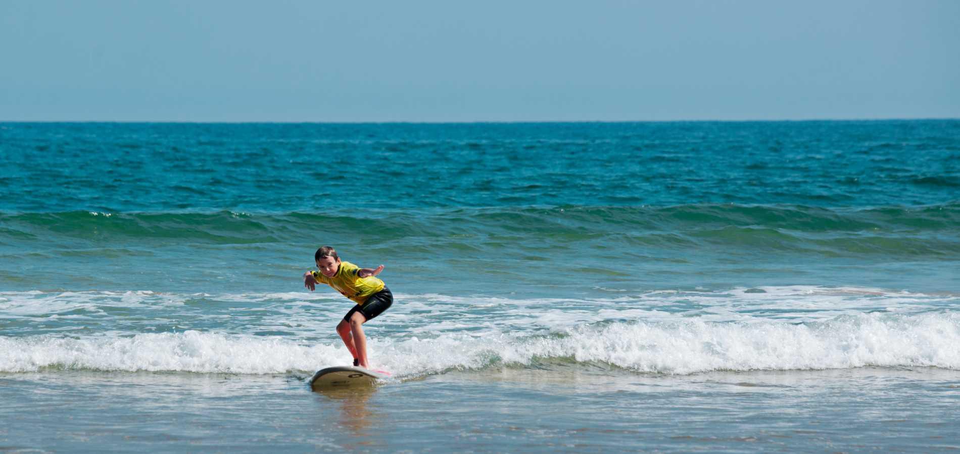 Escuela de surf en Zarautz, Essus Surf School