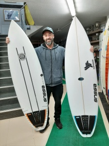 Tabla de surf a medida en la Escuela de Surf Essus - Zarautz