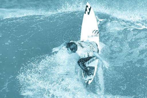 Essus Surf School Zarautz by Marcos Sansegundo