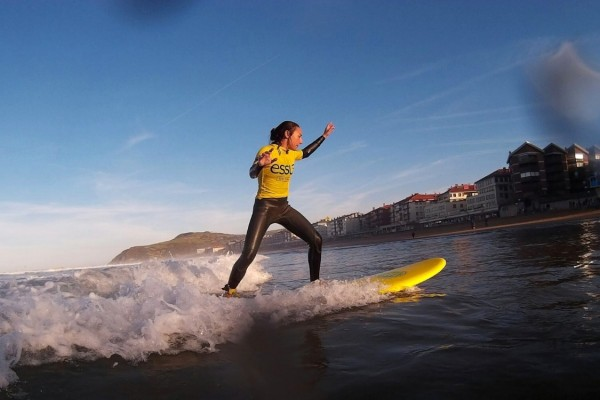 essus-surf-eskola-puente-diciembre-2015-aprende-a-surfear
