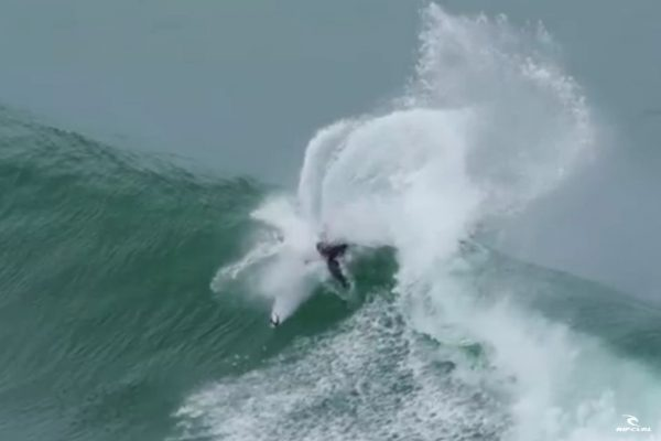 mick-fanning-portugal-2015-solo-session