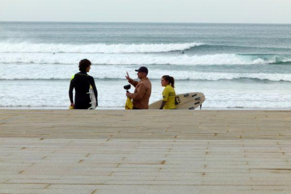 Clase de mejora de surfing en zarautz pais vasco - Essus Surf Eskola