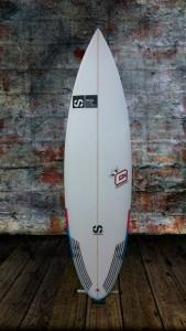 tabla-surf-a-medida-essus-surf-zarautz