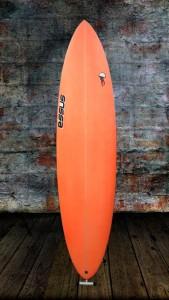 tabla-de-surf-a-medida-essus-surf-eskola-zarautz-PERFORMER