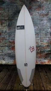 tabla-de-surf-clayiton-10-pro-a-essus-surf-zarautz